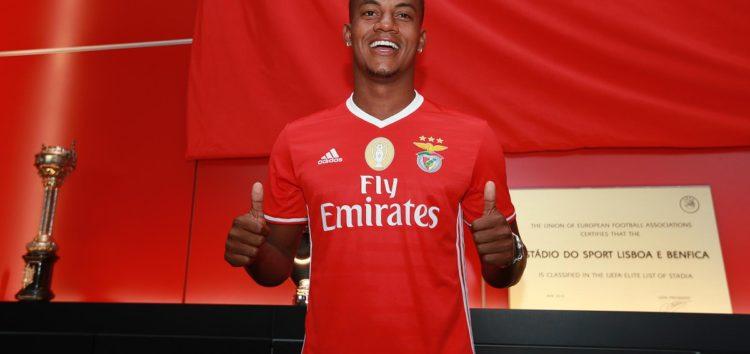L'équipe Benfica présente de nouveaux maillots pour la prochaine saison