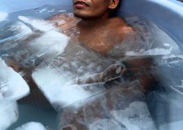 En quoi les bains glacés peuvent-ils accélérer le processus de récupération ?